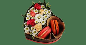 Букеты цветов со слядостями