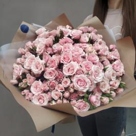 Охапка розовых роз