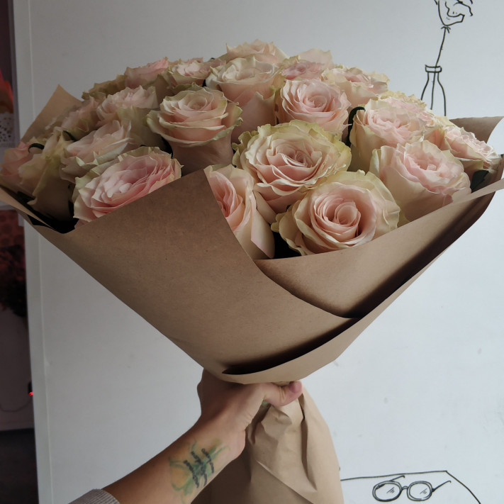 Букет из 35 шикарных роз